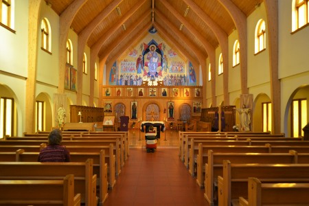 """Découvrez le """"Monastère des Petits frères de la Croix"""" au Québec... Monastery-of-les-petits-freres-de-la-croix-450x300"""